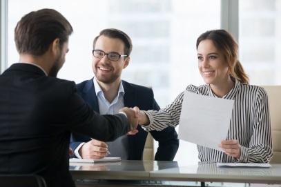 Häufige Fehler im Arbeitsvertrag: Praktische Checkliste für ...